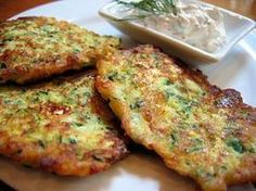 Placuszki z cukini i fety Toddler Lunches, Polish Recipes, Healthy Dishes, Brie, Quiche, Feta, Mashed Potatoes, Food To Make, French Toast