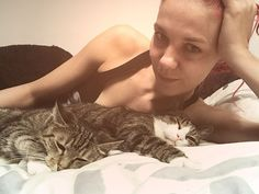 Chillen :-D und was machst Du? . . . #love #photooftheday #amazing #smile #look #instalike #picoftheday #instafollow #followme #girl #iphoneonly #instagood #bestoftheday #instacool #style #me #beautiful #pretty #sexyklara #nomakeup #cat #chillen #relax