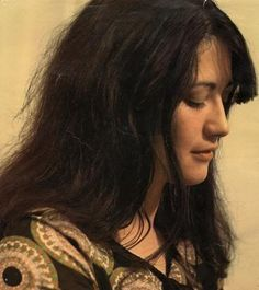 HELP! Looking for a LARGE high resolution photo of Martha Argerich | Pianist Corner | Piano World Piano & Digital Piano Forums