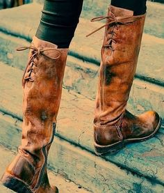 crazy mottled leather boots, they look soft, relaxed, well worn. love the lacing up the back
