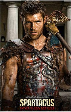 Spartacus entouré de ses amis Crixus et Oenomaüs 2011 - 2013