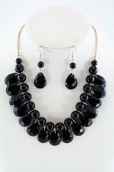 Teardrop Single Layer Necklace Set in black at itraits.com. Black color is the mother of all colors.