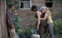 Daryl Dixon (Norman Reedus) and Beth Greene (Emily Kinney) - The Walking Dead _ Season Episode 12 - Photo Credit: Gene Page/AMC The Walking Dead Saison, Walking Dead Season 4, Walking Dead Tv Series, Fear The Walking Dead, Daryl E Beth, Daryl Twd, Daryl Dixon Actor, Norman Reedus, Walking Dead Wallpaper
