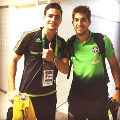 Lucas Silva with the Mexican playerAntonio Briseño after friendly match between Brazil Olympic NT and Mexico Olympic NT | São Luís, Brazil - March 29, 2015