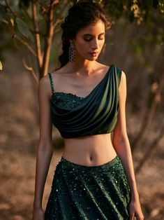 Party Wear Indian Dresses, Indian Gowns Dresses, Dress Indian Style, Indian Fashion Dresses, Indian Wedding Outfits, Indian Designer Outfits, Fashion Outfits, Bridal Outfits, Fancy Dress Design