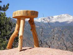 How To Make Rustic furniture - Howto Make Log Furniture The Three Legged Log Stool. Woodworking For Dummies, Woodworking Table Plans, Woodworking Tools For Sale, Woodworking Jointer, Green Woodworking, Woodworking Shows, Woodworking Workshop, Woodworking Classes, Woodworking Machinery