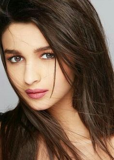 Alia Bhatt(if like my board then follow for new update) Bollywood Stars, Bollywood News, Bollywood Actress, Hindi Actress, Alia Bhatt Varun Dhawan, Indian Goddess, Bollywood Celebrities, Indian Celebrities, Alia Bhatt Photoshoot