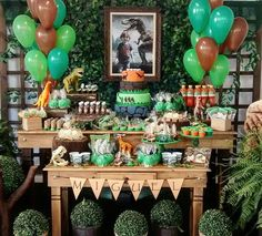 My Favourite! Quite Rustic ! Dinosaur Train Party, Dinosaur Birthday Party, Jungle Party, Safari Party, Party Decoration, Birthday Decorations, Dinasour Party, Festa Jurassic Park, Birthday Party At Park