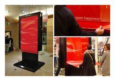 coca cola papier cadeau street marketing installation concept