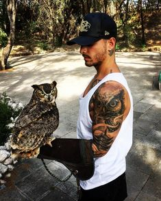 oh my gawd! Full Body Tattoo, Arm Tattoo, Body Art Tattoos, Cool Tattoos, Tatoos, Guy Tattoos, Portrait Tattoo Sleeve, Sleeve Tattoos, Maluma Haircut
