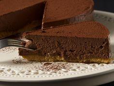 chocolate tart by stelios parliaros Greek Sweets, Greek Desserts, Party Desserts, Bakery Recipes, Sweets Recipes, Pavlova, Keto Chocolate Recipe, Chocolate Cake, Chocolate Cheesecake
