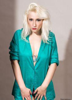 Tattoo model, blonde hair, Dominqqe Diamond