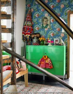 Green cabinet and vintage wallpaper! Kid Spaces, Living Spaces, Deco Boheme, Interior Decorating, Interior Design, Wall Wallpaper, Girl Room, House Colors, Kids Bedroom