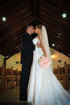 Casamento Patricia & Rafael #casamento #wedding #noiva #bride #noivo #groom #love #amor #kiss #beijo #vestido #dress #bouquet #buque #flores #flower #church #igreja #capela