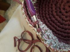 Fotonávod na háčkovaný košík z příze Biskvit s kulatým dnem Diy And Crafts, Jewelry, Fashion, Knits, Dots, Bags, Moda, Jewlery, Jewerly