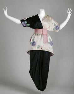 PAUL POIRET : Uncorseted gown 1913.