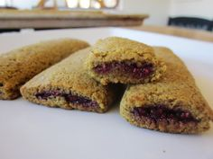 Chef Tess Bakeresse: Almond-pistachio breakfast nutri-bars. Grain-free, gluten-free, guilt-free