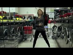 Love this! Dance Like Nobody's Watching (laundromat dance :)  Surely this is what I was doing while at the laundromat this morning!