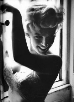gorgeous, love her. 				  				  				  					Marilyn Monroe