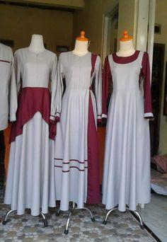 Sarimbit Abaya Fashion, Muslim Fashion, Women's Fashion Dresses, Clothing Store Displays, Sleeves Designs For Dresses, Casual Hijab Outfit, Kurti Designs Party Wear, Korean Dress, Mode Hijab