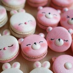 Rabbit & Bear macarons by Melly Eats World (M.) ( Rabbit & Bear macarons by Melly Eats World (M. Cute Desserts, Delicious Desserts, Dessert Recipes, Yummy Food, Kreative Desserts, Cute Baking, Kawaii Dessert, Macaron Cookies, French Macaroons