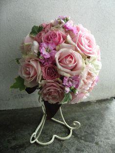 優しいピンクのラウンドブーケ http://relier-fleurs.com/
