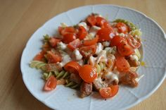Syrová omáčka s cestovinami Caprese Salad, Food, Essen, Meals, Yemek, Insalata Caprese, Eten