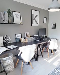 Create an inspiring home office room decoration in apartment 30 Related Home Office Space, Home Office Design, Home Office Decor, Home Decor, Bedroom With Office, Bedroom Black, Office Workspace, Office Ideas, Home Office Organization