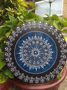 Mandala Canvas, Mandala Artwork, Mandala Painting, Mandala Drawing, Stone Art Painting, Dot Art Painting, Pottery Painting, Mandala Painted Rocks, Mandala Rocks