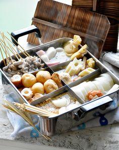 おでん鍋 関東のおでんはちくわぶ入るよ~ 我が家は牛すじならぬ、白豚モツ串入れるよ~ おうちおでん屋さん ブーケガルニと出汁を合せて、じゃがいもと玉ねぎもはいるのが金魚家流♪ #和ごはん #おうちごはん #青山金魚 #おでん Lemongrass Tea, Lemon Grass, Stew, Japanese, Dinner, Recipes, Food, Dining, Essen