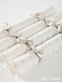 How To: Make your own Christmas Crackers. There's a lovely printable project sheet too!
