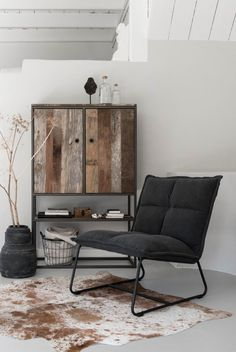 Must Living Cloud fauteuil Rustic Home Design, Home Interior Design, Interior Decorating, Living Room Designs, Living Room Decor, Bedroom Decor, Furniture Inspiration, Interior Inspiration, Furniture Decor