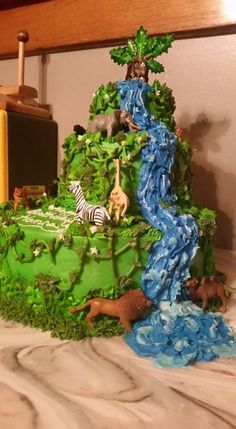 Jungle Cake. Birthday cake. Waterfall cake. Animal cake.