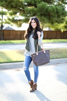 fall puffer vest outfit idea