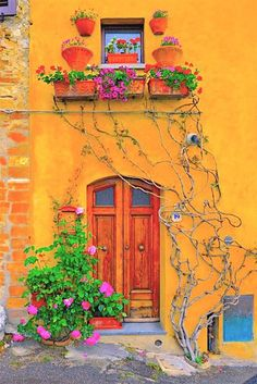 front door paint colors - Want a quick makeover? Paint your front door a different color. Here's some inspiration for you. door paint colors - Want a quick makeover? Paint your front door a different color. Here's some inspiration for you. Tuscany Italy, Italy Italy, Venice Italy, Sorrento Italy, Capri Italy, Naples Italy, Tuscany Homes, Mellow Yellow, Mustard Yellow