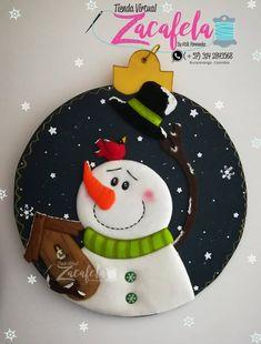 Diy Christmas Ornaments, Felt Ornaments, Hand Painted Ornaments, Christmas Cookies, Christmas Makes, Felt Christmas, Christmas Time, Christmas Sweaters, Polymer Clay Christmas