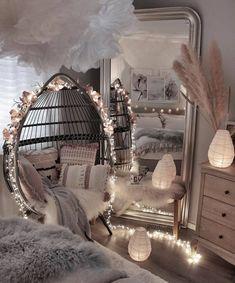 Cute Bedroom Decor, Bedroom Decor For Teen Girls, Room Design Bedroom, Girl Bedroom Designs, Stylish Bedroom, Room Ideas Bedroom, Bed Room, Master Bedroom, Bedroom Styles