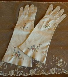 Embroidered White Leather Gloves, ca. 1910-1930