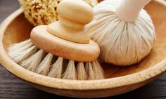 A 5-Step Guide To Dry Brushing Your Face For Brighter Skin