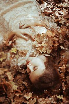 magic-spelldust: autumn breath by Fantasy Photography, Autumn Photography, Creative Photography, Fine Art Photography, Portrait Photography, Story Inspiration, Character Inspiration, Belle Photo, Fairy Tales