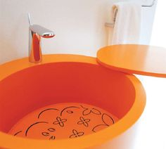 An innovative bathroom sink brought to you by Bmood.