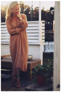 Me Naiset – Blogit | Kalastajan vaimo Autumn Day, Cottage, Sweaters, Dresses, Style, Fashion, Gowns, Moda, Fashion Styles