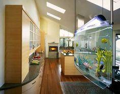 Hanging aquarium