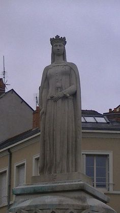 Margaret of Anjou statue Angers