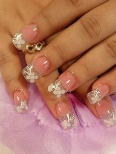 sparkly french tip. Sexy Nails, Glam Nails, Fancy Nails, Cute Nails, Pretty Nails, Beautiful Nail Art, Gorgeous Nails, Nails Design With Rhinestones, Nails Only