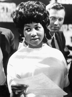 """huariqueje: """"Aretha Franklin ( , R. Blues and soul singer Aretha Franklin in a TV show in a Cologne studio - Wilhelm Bertram; The Blues Brothers, Soul Singers, Female Singers, Aretha Franklin, Toni Braxton, R&b Soul, Star Wars, Soul Music, American Singers"""