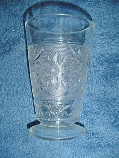 Colony Clear Sandwich Glass Footed 8 oz. Glasses/Tumblers