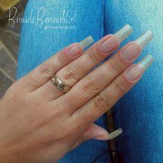 Aaaah como eu amo minhas unhas longas e naturais 🤤🤩💅 ⠀ Eu uso a . Usem Meu cupom de desconto: UNHASECORES ⠀ O que acham? Long Natural Nails, Baddie Quotes, Nail Growth, Strong Nails, Nail Treatment, Pretty Nails, Manicure, Make Up, Nail Art