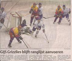 2006. Niks mis met een goede pot ijshockey. Niks mis ook met de broeken van de GIJS Grizzlies. Mooie C7 sponsoring toch.
