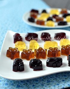 Making gummy bears yourself . By baking-with-fun. Making Gummy Bears, Food Humor, Low Carb Desserts, Oreo, Sweet Tooth, Sweet Treats, Food And Drink, Sweets, Snacks